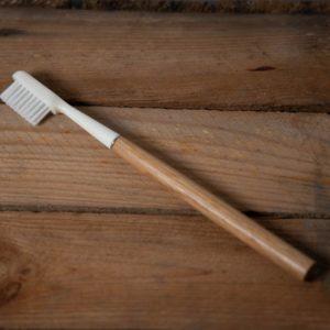 brosse à dent chêne écologique